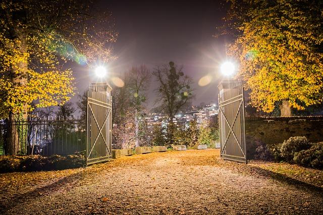 castle-gate-1022177_640